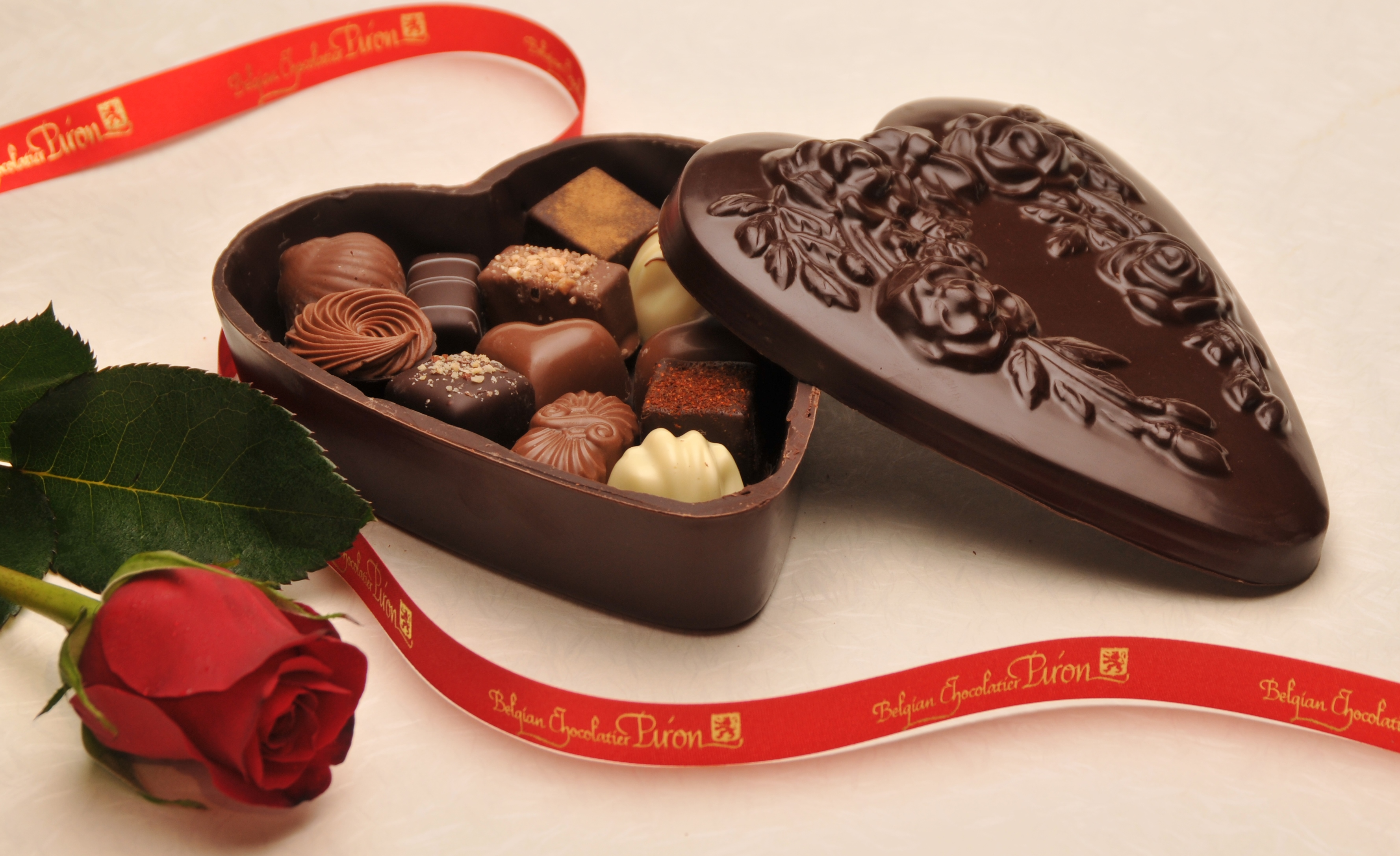 Chocolate Gift Box | Belgian Chocolatier Piron, Inc.